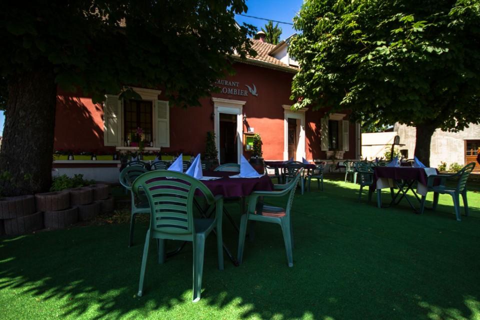 Restaurant photogalleries le colombier for Restaurant exterieur